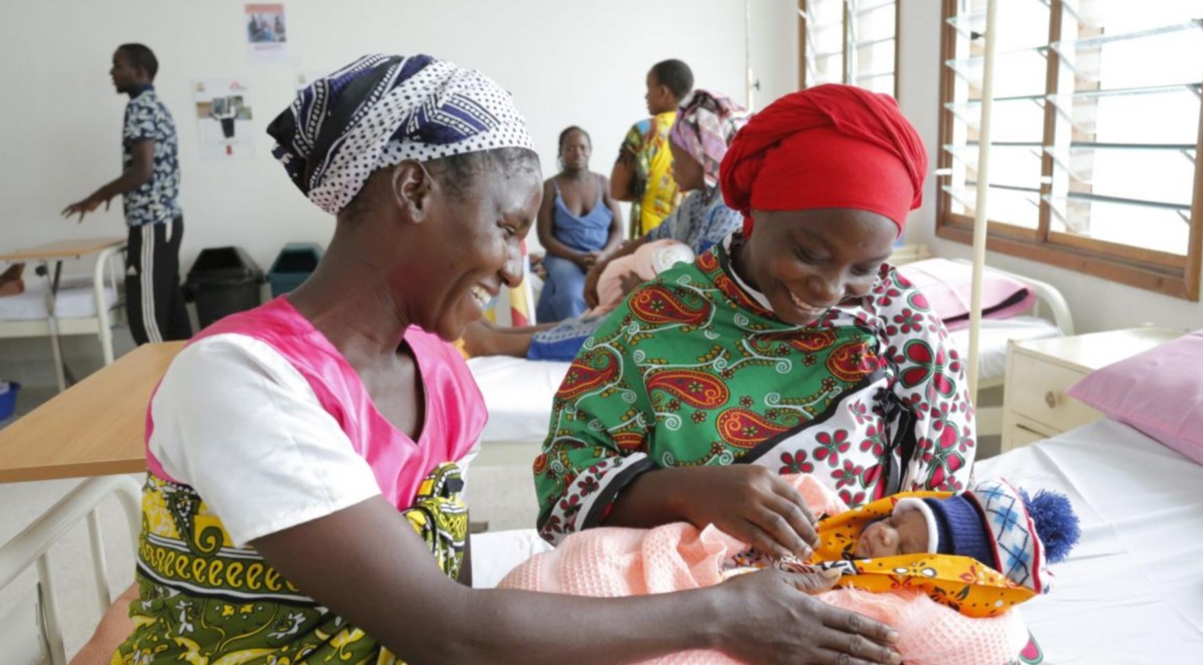 Bildergalerie zum Muttertag!  Danke - an all diese Frauen in über 50 Ländern die mich zu ihrer Hebamme gemacht haben